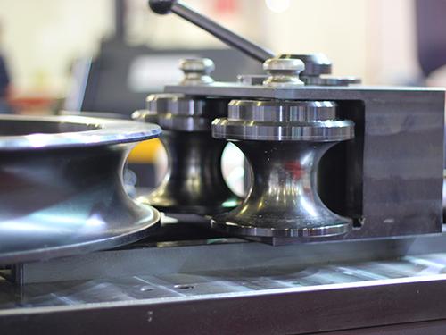 Электромеханические бездорновые трубогибы